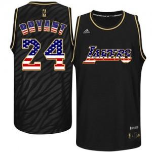 Los Angeles Lakers Kobe Bryant #24 USA Flag Fashion Authentic Maillot d'équipe de NBA - Noir pour Homme