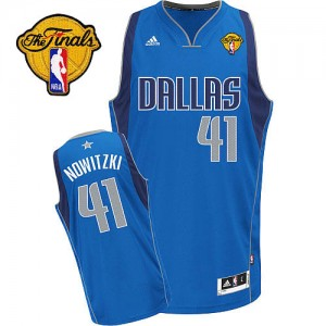 Maillot NBA Dallas Mavericks #41 Dirk Nowitzki Bleu royal Adidas Swingman Road Finals Patch - Homme