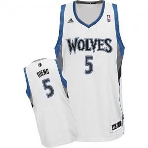 Minnesota Timberwolves #5 Adidas Home Blanc Swingman Maillot d'équipe de NBA la vente - Gorgui Dieng pour Homme